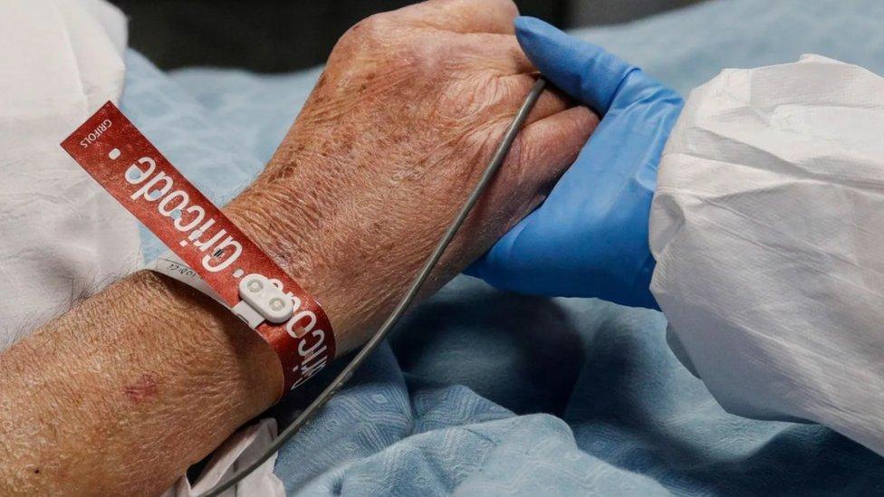 Na bolničkim odeljenjima medicinske sestre i lekari su suočeni sa znatnim traumatičnim potencijalom